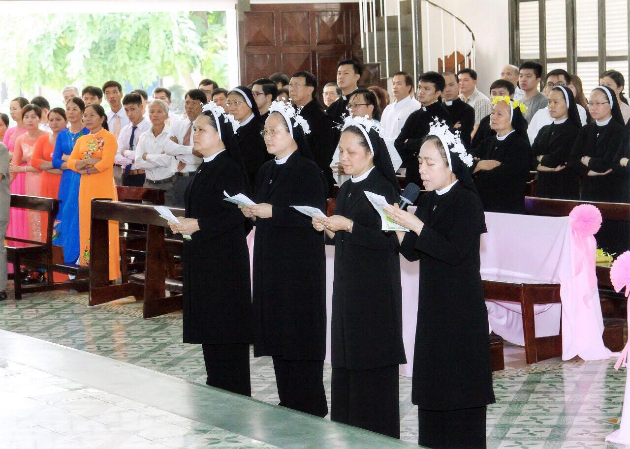 Dòng Mến Thánh Giá Thủ Thiêm : Hồng ân Thánh Hiến