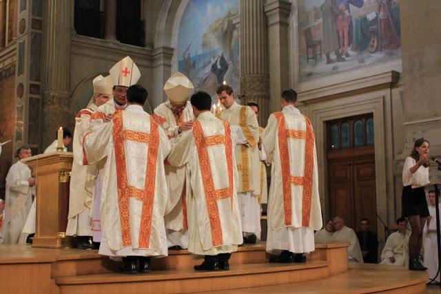 Giáo Phận Thanh Hóa Có Thêm Hai Phó Tế Tại Paris – Pháp
