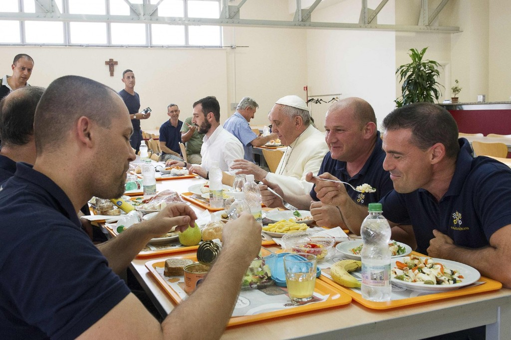 Xin thêm một phần ăn cho Giáo hoàng
